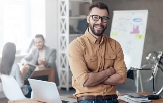 """Was macht Menschen bei der Arbeit glücklich? Im Rahmen des """"World Happiness Report 2017"""" hat sich das """"Centre for Economic Performance"""" der renommierten London School of Economics dieser Frage angenommen, mit der aktuellen Studie """"Happiness at Work"""". Das Führungskultur-Monitor Institut nennt die zentralen Ergebnisse."""